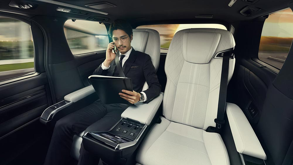 Lexus Interior Business