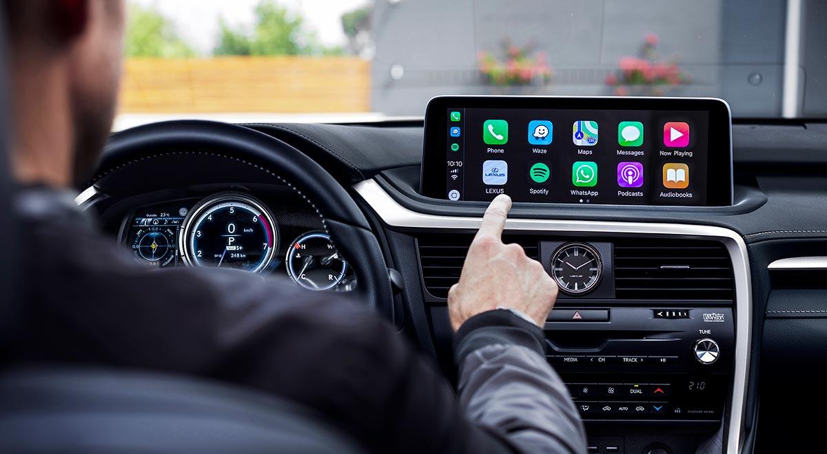 19-06-12-lexus-touchscreen-video.jpg