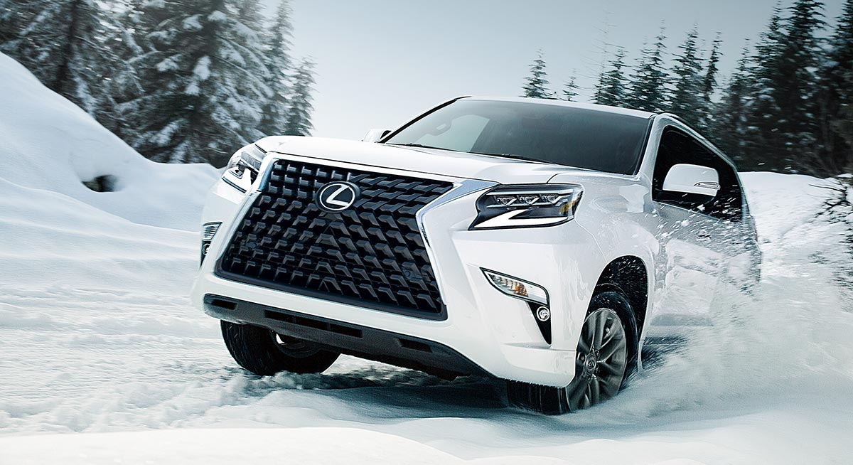 Lexus GX 2020 in Snow