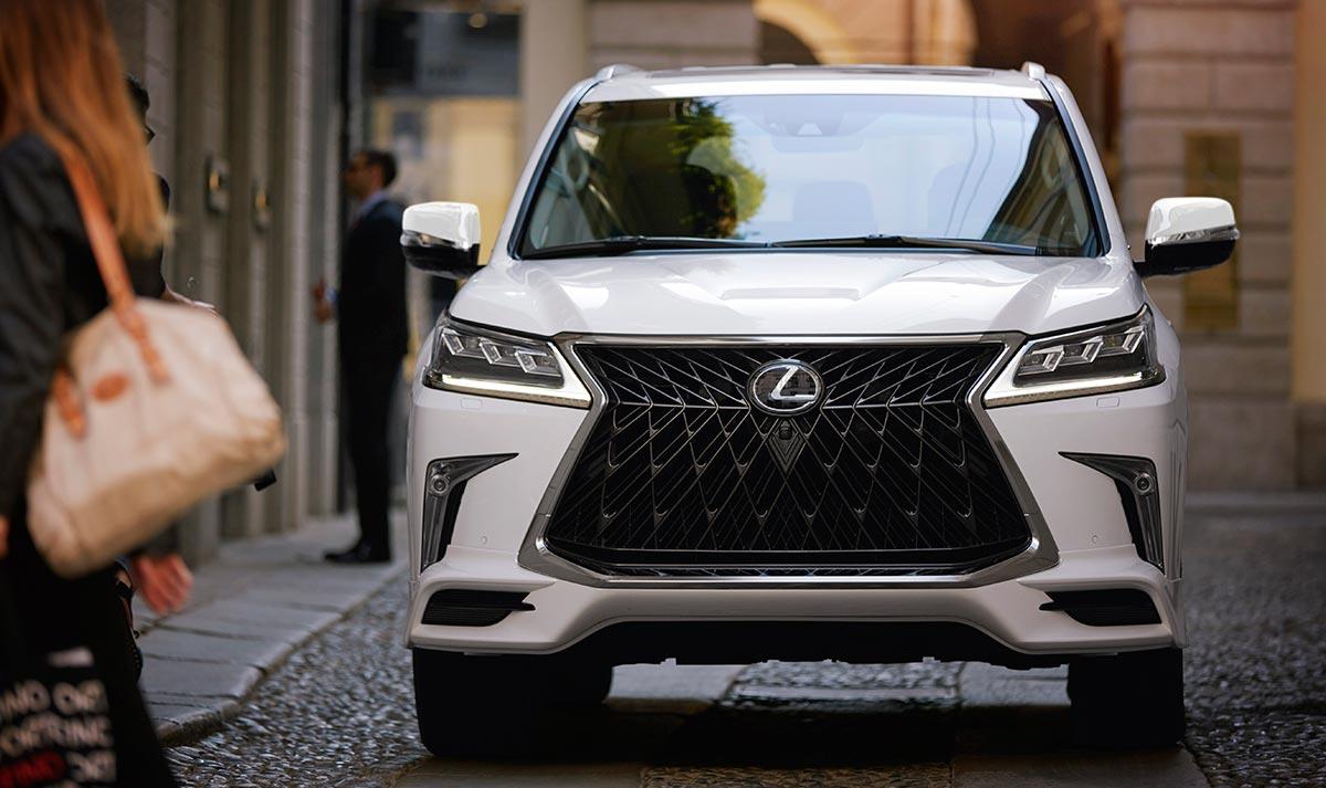 Lexus LX 2020 Front Grille