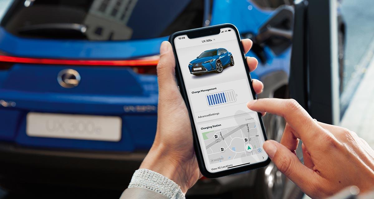 Lexus UX Smartphone