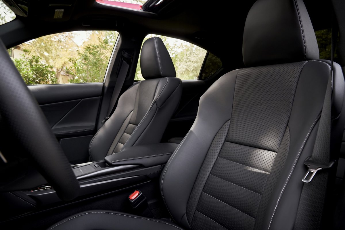 Lexus IS Seats
