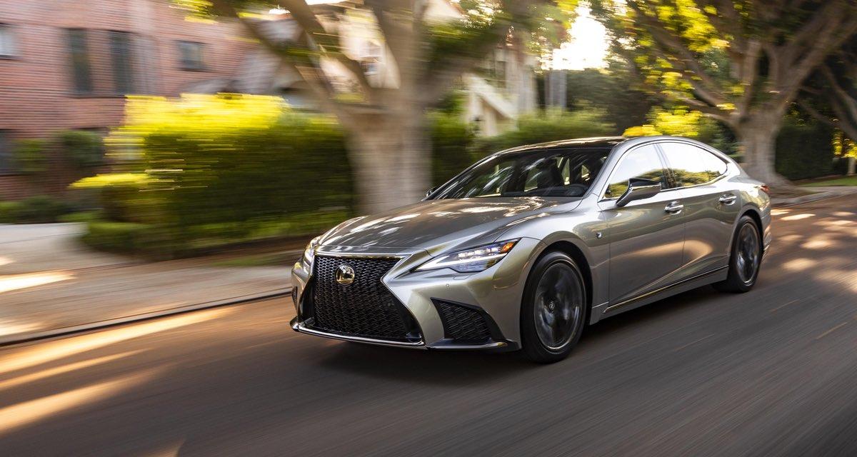 Lexus LS 2021 Driving