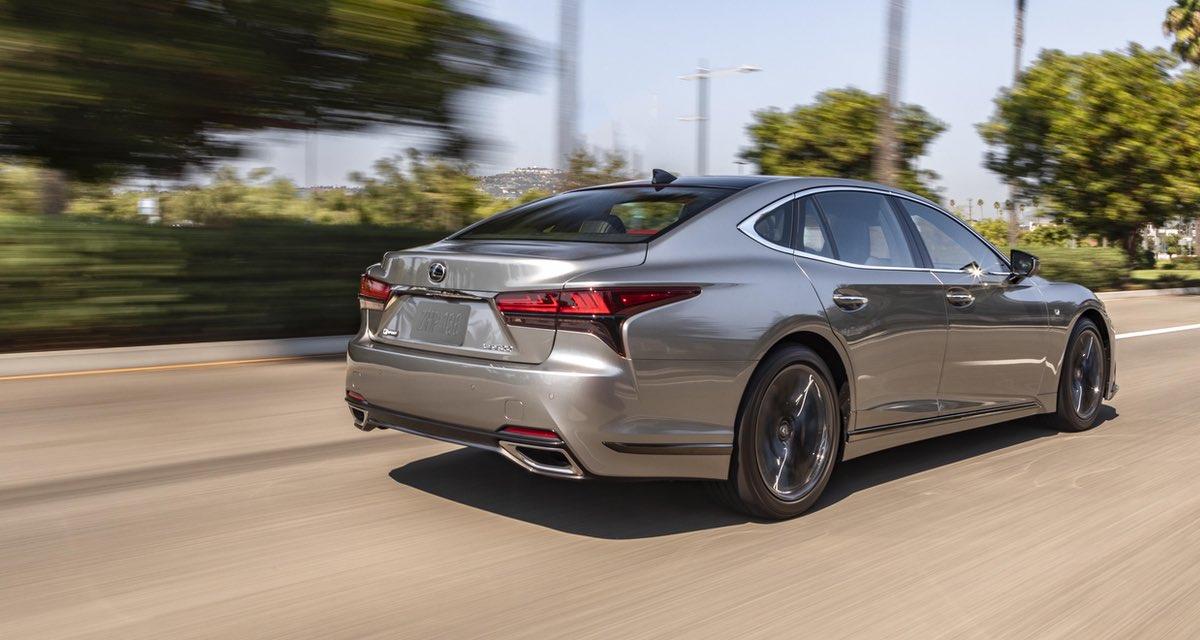Lexus LS 2021 Rear Driving