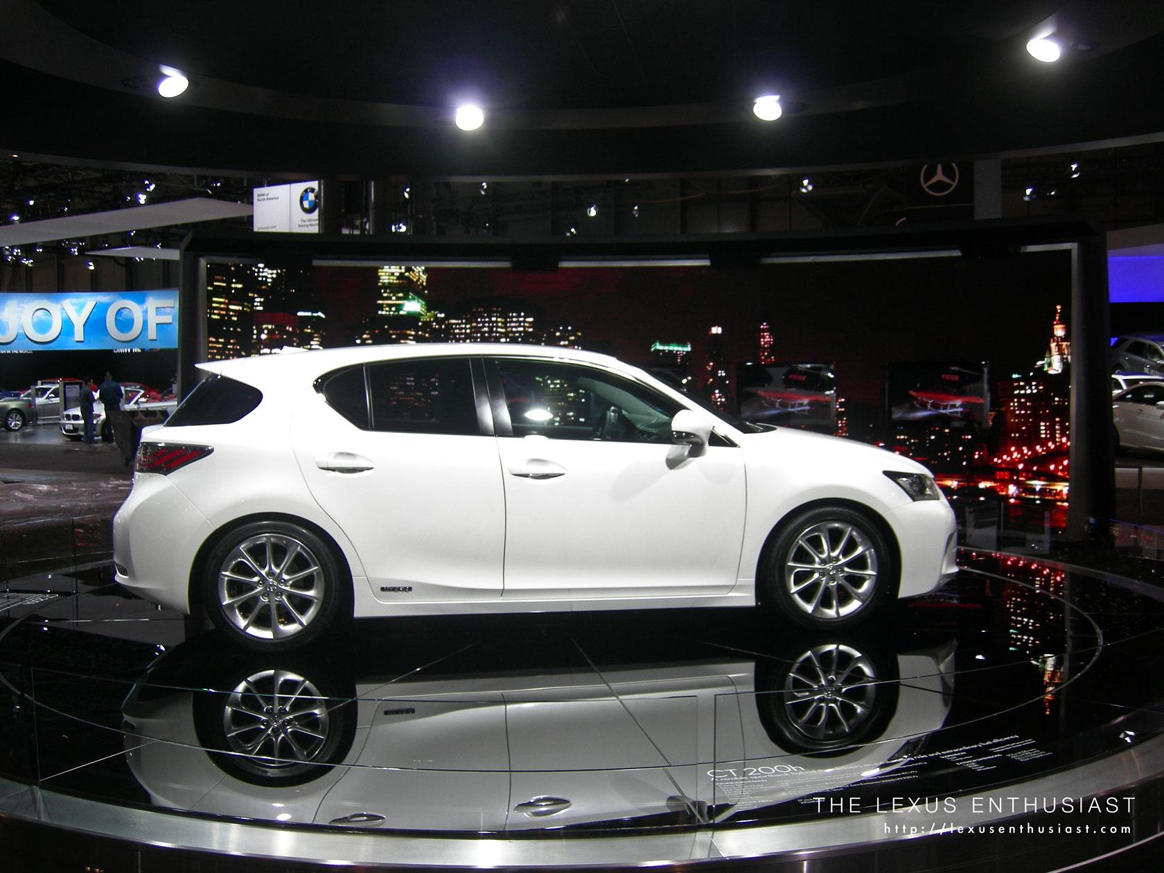 2010 Lexus New York Auto Show 4