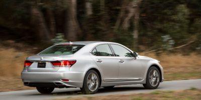 2013-Lexus-LS-460-015