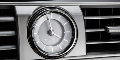 2013-Lexus-LS-460-Interior-006