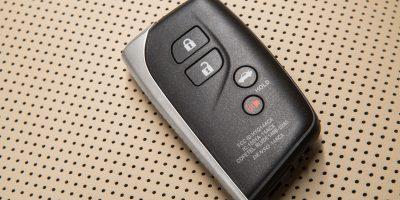 2013-Lexus-LS-460-Interior-015
