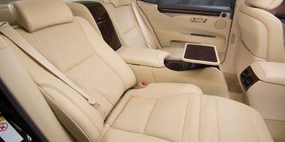 2013-Lexus-LS-460-Interior-017