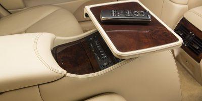 2013-Lexus-LS-460-Interior-020