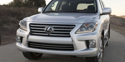 2013-Lexus-LX-570-005