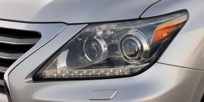 2013-Lexus-LX-570-012