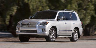 2013-Lexus-LX-570-017