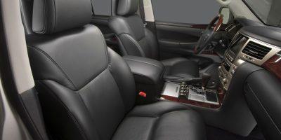 2013-Lexus-LX-570-024