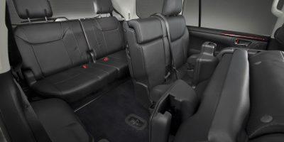 2013-Lexus-LX-570-026