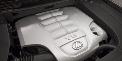 2013-Lexus-LX-570-032