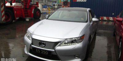 2013-lexus-es-1