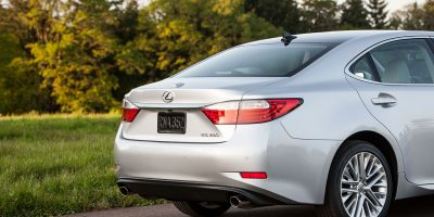 2013_Lexus_ES_350_13