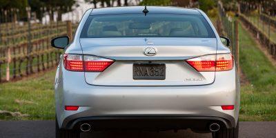 2013_Lexus_ES_350_15