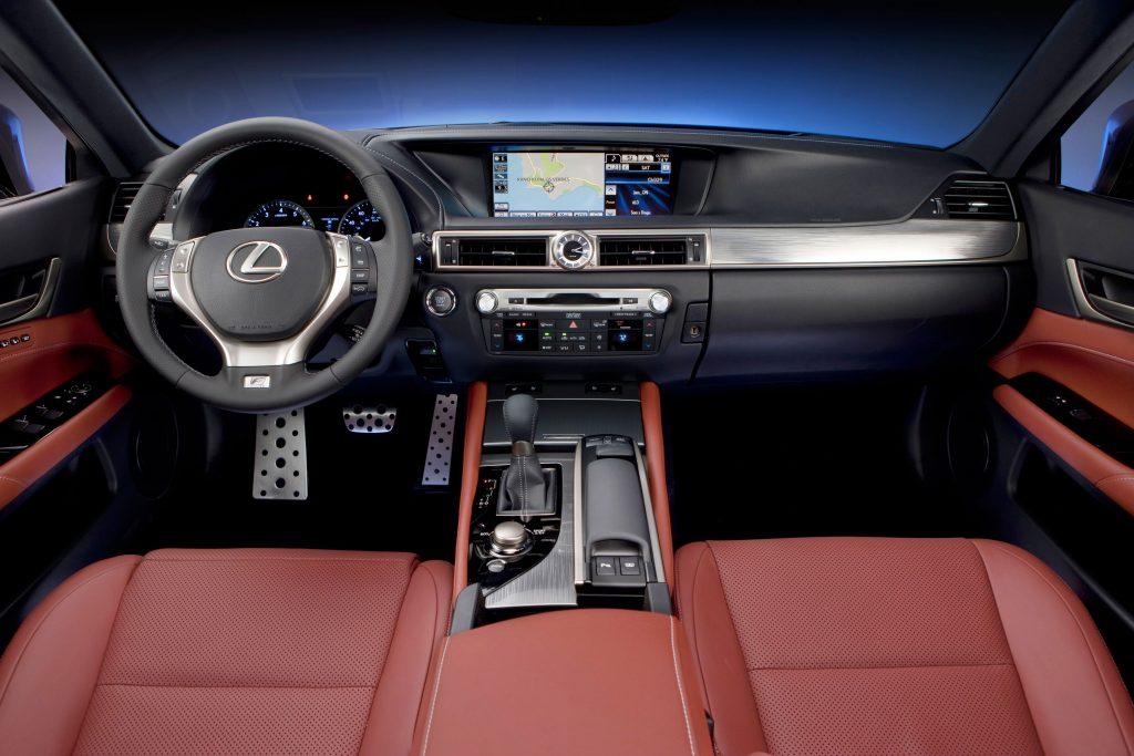 2013_Lexus_GS350_Fsport_011