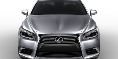 2013_Lexus_LS_460_001
