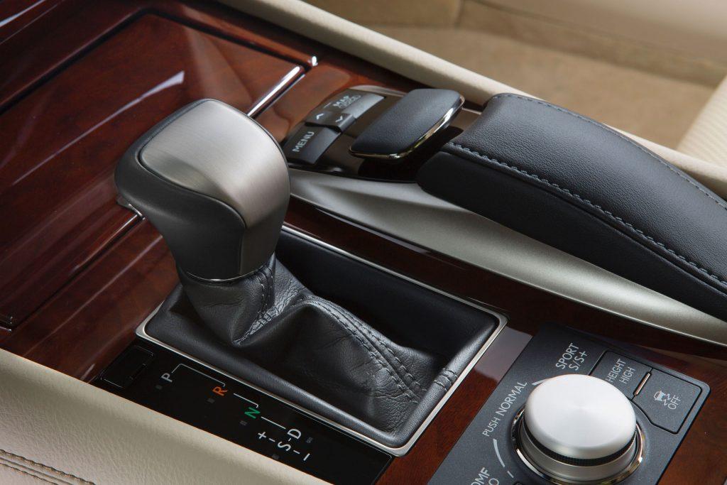 2013_Lexus_LS_460_interior_008_BA7CA8F687EB0101DFEDED771DFFFF7424528031
