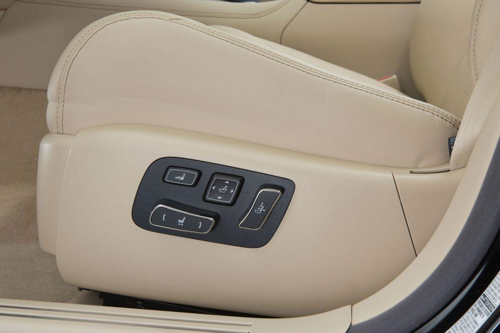 2013_Lexus_LS_460_interior_012_9907AE07DC7788F683FCBFA41B24139ECBC914E5