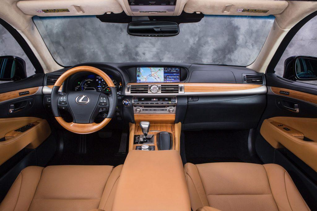 2013_Lexus_LS_600h_L_interior_001_7E0D9EB012DEF9F378D42A0775AE6882CBAA6D58
