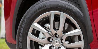 2015-Lexus-NX-300h-031