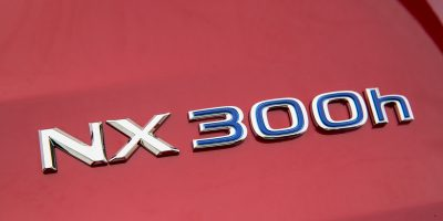 2015-Lexus-NX-300h-032