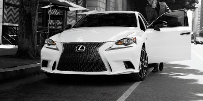 2015_Lexus_Crafted_Line_IS_002
