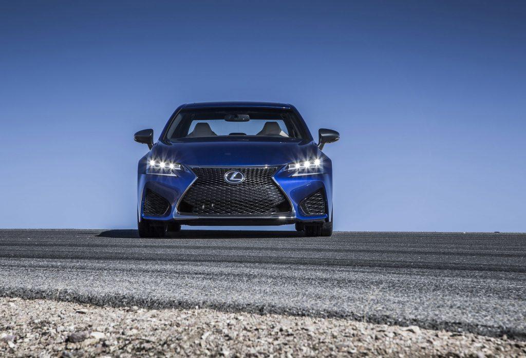2016_Lexus_GS_F_005