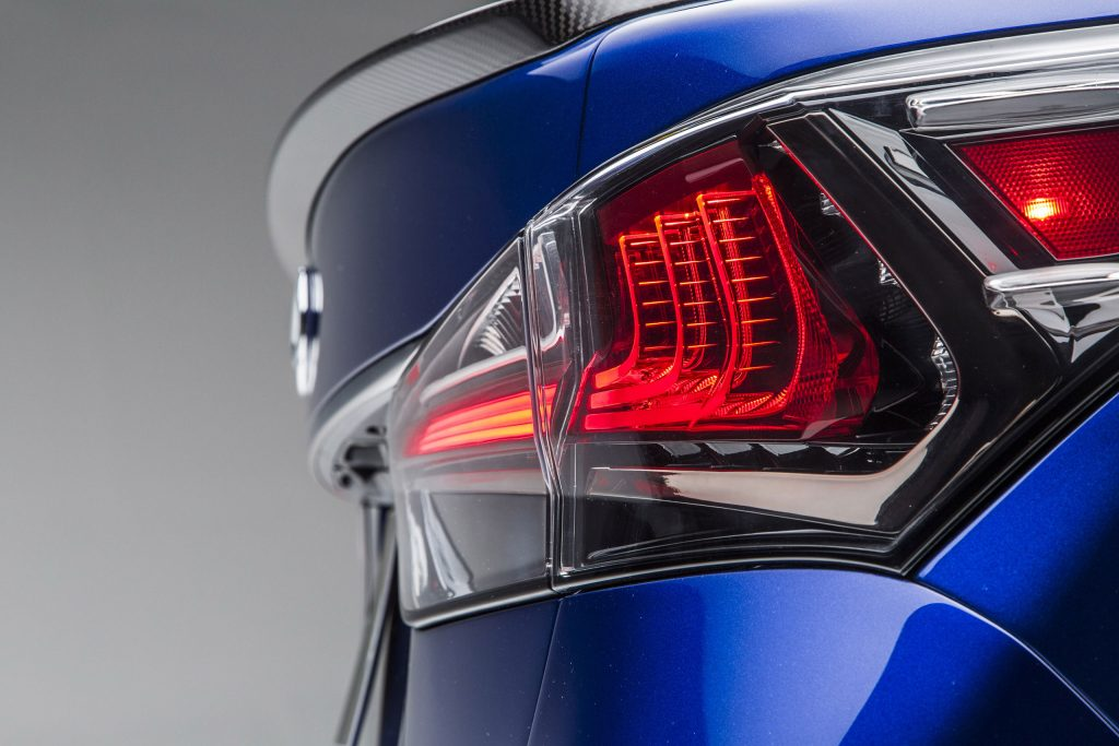 2016_Lexus_GS_F_024