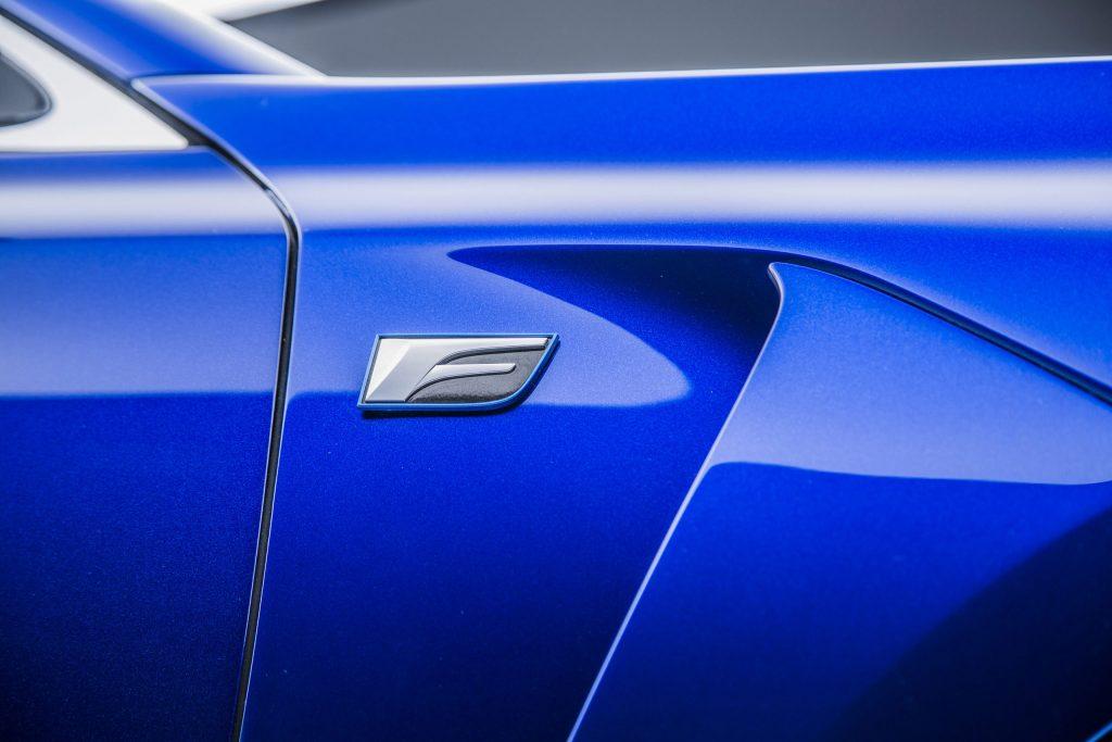 2016_Lexus_GS_F_030