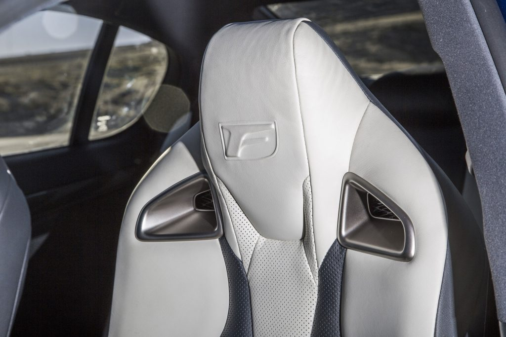 2016_Lexus_GS_F_046