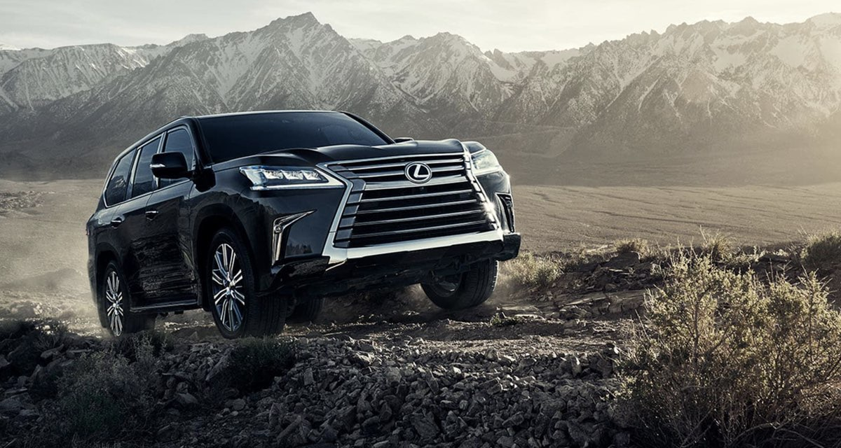 Lexus LX Off-Roading