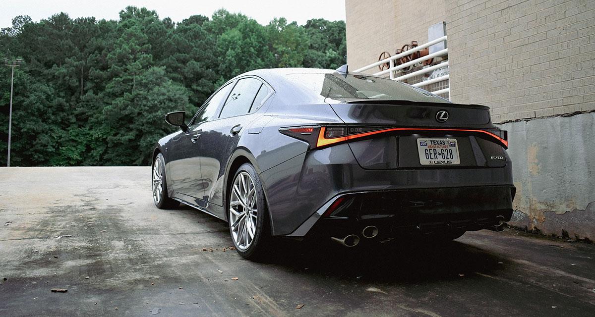 Lexus IS 500 Rear Side