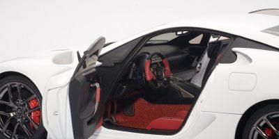 autoart-lexus-lfa-diecast-model-13