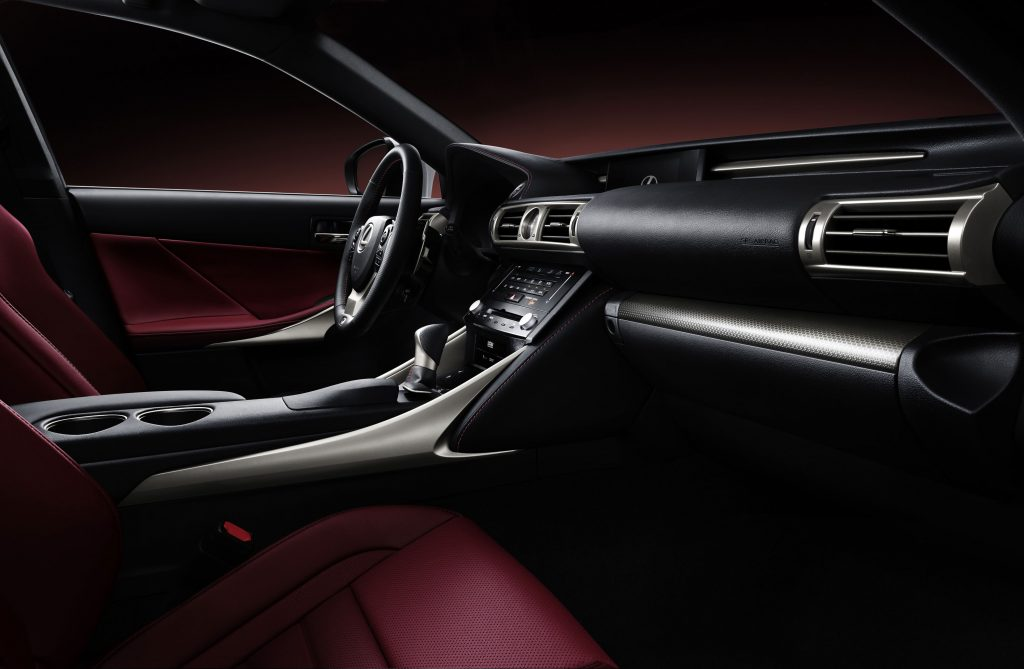 lexus-is-300h-f-sport-interior-10