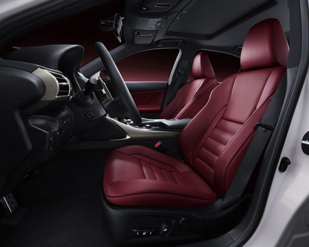lexus-is-300h-f-sport-interior-9