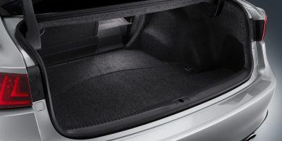 lexus-is-300h-interior-europe-11