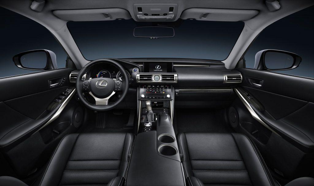lexus-is-300h-interior-europe-3