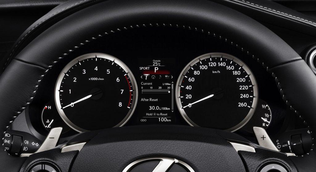 lexus-is-300h-interior-europe-5
