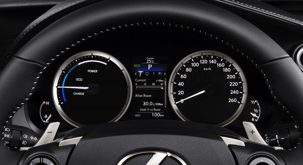 lexus-is-300h-interior-europe-6