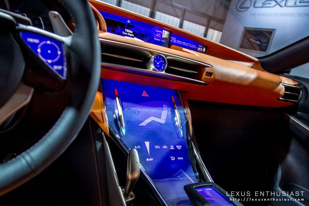 lexus-lf-cc-interior-krew-1