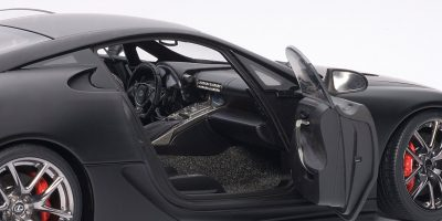 lexus-lfa-autoart-matte-black-8