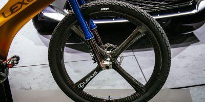 lexus-nxb-bike-tokyo-8